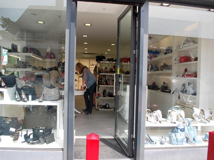 Boutique Dames : chaussures et accessoires